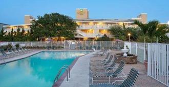 Quality Inn Oceanfront - Ocean City - Pool