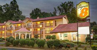 Super 8 by Wyndham Downtown Gatlinburg at Convention Center - Gatlinburg - Edificio