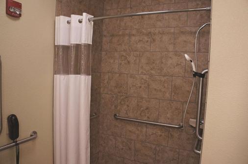 俾斯麥拉昆塔套房酒店 - 俾斯麥 - 俾斯麥 - 浴室