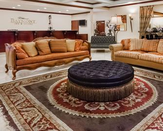 Baymont by Wyndham Henderson - Henderson - Sala de estar