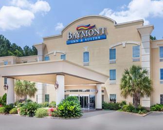 Baymont by Wyndham Henderson - Henderson - Building