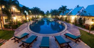 The Green Beach Resort - Sam Roi Yot - Πισίνα
