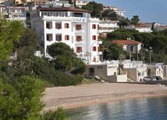 Hbm | Hotel Ristorante Bue Marino - Dorgali - Rakennus