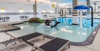 Hampton Inn and Suites by Hilton Portland-Pearl District - Portland - Pool