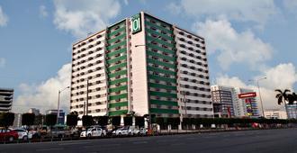 Hotel 101 Manila - Manila - Building