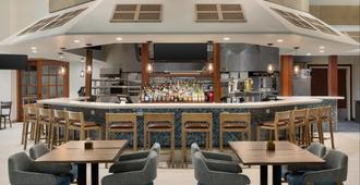 Holiday Inn & Suites Ocean City, An IHG Hotel - Ocean City - Bar