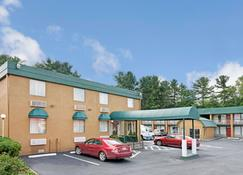 Travelodge by Wyndham Beckley - Beckley - Building
