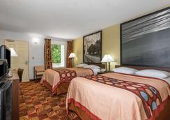 Super 8 by Wyndham Fayetteville - Fayetteville - Phòng ngủ