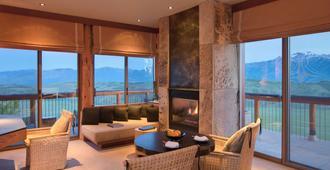 Amangani - Jackson - Living room