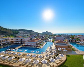 La Marquise Luxury Resort Complex - Kallithea - Piscina