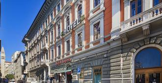 B&B Hotel Trieste - Trieste - Outdoors view