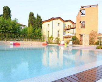 The Ziba Hotel & Spa - Peschiera del Garda - Pool