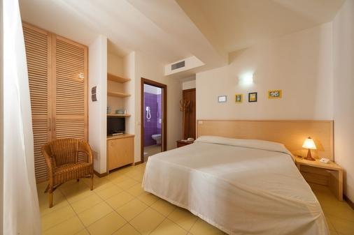 Resort Hotel Marinella - Gabicce Mare - Bedroom
