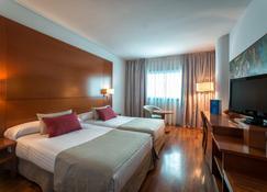Hotel Azarbe - Murcia - Schlafzimmer