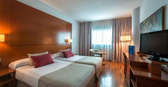 Hotel Azarbe - Murcia - Phòng ngủ