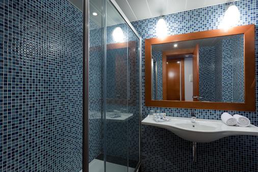 Hotel Azarbe - Murcia - Bathroom