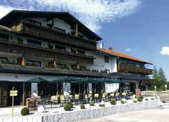 Löwen - Ihr Familienhotel Im Allgäu - Nesselwang - Bâtiment