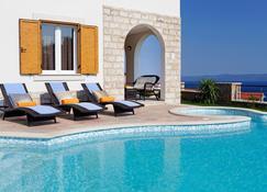 Villa Nera - Bol - Pool