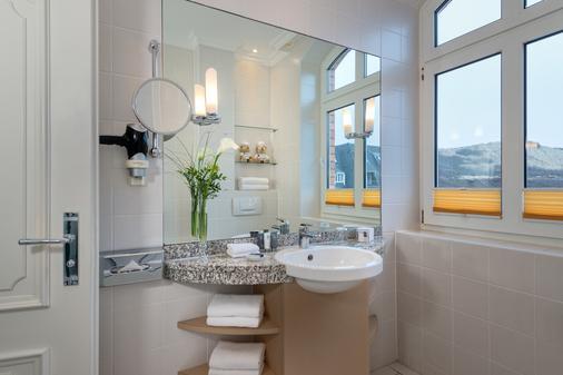 Dorint Strandresort & Spa Sylt/Westerland - Sylt - Phòng tắm