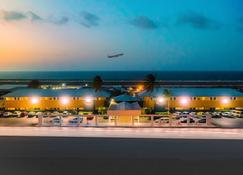 Curacao Airport Hotel - Grote Berg - Outdoor view