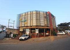 Bawga Theiddhi Hotel Kyaik Hto - Kinpun - Здание