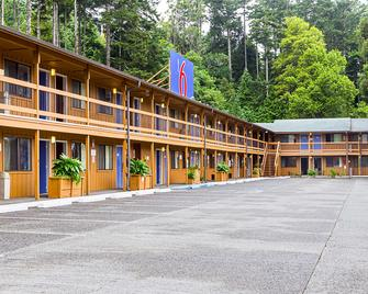 Motel 6 Gold Beach - Gold Beach - Building