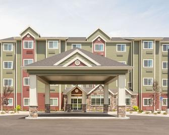 Microtel Inn & Suites by Wyndham Springville/Provo - Springville - Building