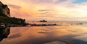 Avani Ao Nang Cliff Krabi Resort - Krabi - Vista del exterior