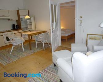 Stieglerhof Apartments - Illmitz - Living room