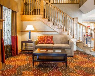 Quality Inn Greenville North - Greenville - Obývací pokoj