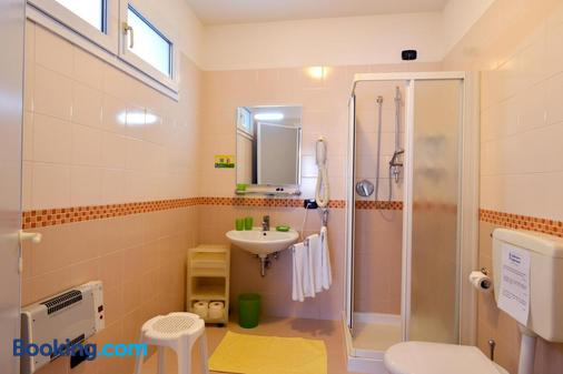 普格蘇酒店 - 耶索羅 - Jesolo - 浴室
