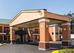 Econo Lodge - Decatur - Building