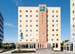 Ibis Budget Luxembourg Sud - Livange - Building