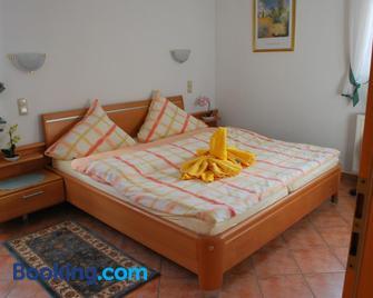 Christina - Merzig - Bedroom