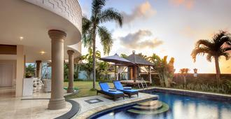 The Beverly Hills Bali By Transera - South Kuta - Piscina