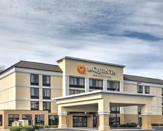 La Quinta Inn & Suites by Wyndham Jackson North - Jackson - Building