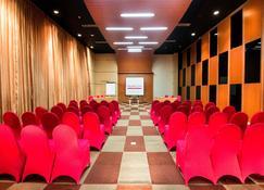 favehotel MEX Surabaya - Surabaya - Meeting room