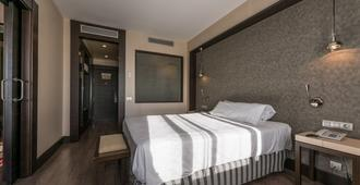 Hotel Mercader - Madrid - Habitación