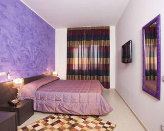 Hotel Massimino - Anguillara Sabazia - Schlafzimmer