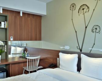 In Between by Vanilla Hotel - Lublin