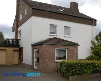 Pension Familie Schwarz Gbr - Bad Driburg - Building
