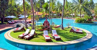Sofitel Angkor Phokeethra Golf And Spa Resort - Ciudad de Siem Riep - Piscina