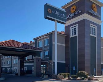 La Quinta Inn & Suites by Wyndham Gallup - Gallup - Building