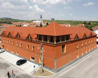 Hotel Majolika - Modra - Building