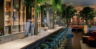 The Trafalgar St. James London, Curio Collection by Hilton - Londres - Bar
