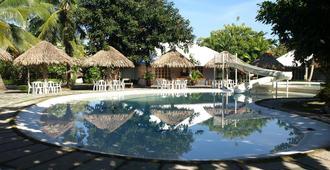 Almont Inland Resort - Butuan