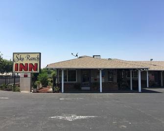 Sky Ranch Inn - West Sacramento - Gebäude