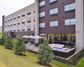 Holiday Inn Express & Suites Olathe West - Olathe - Building