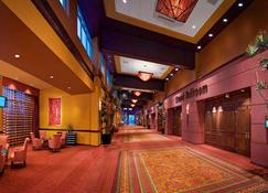 Embassy Suites Northwest Arkansas - Hotel, Spa & Convention - Rogers - Lobby