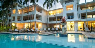 Mandalay Luxury Beachfront Apartments - Port Douglas - Pool